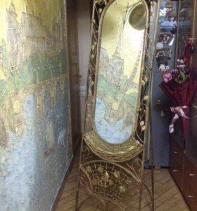 Винтажное напольное зеркало, с элементами ковки