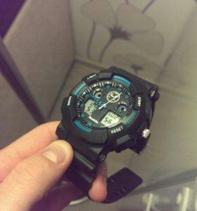 Новые, спортивные мужские часы.