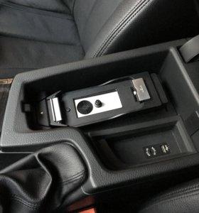 Snap-In адаптер BMW для iPhone 5/5s/SE