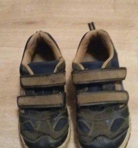 Отдам кроссовки