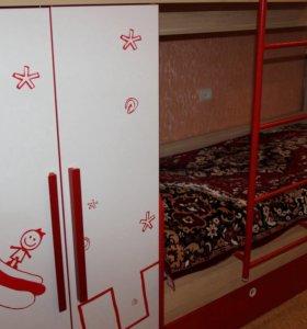 Двухъярусный комплект мебели для детской