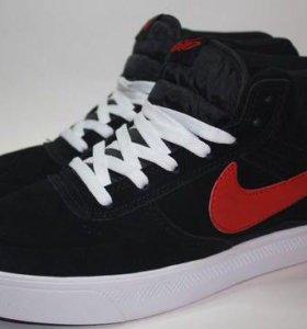 Хитовые замшевые кроссовки Nike