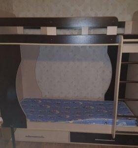кровать двухъярусная +ортопедические матрасы