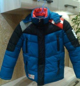 Зимняя куртка на мальчика 6-7 лет.