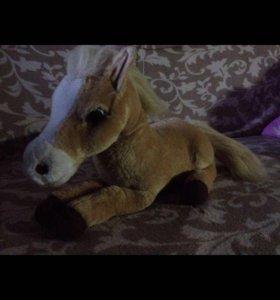 Интерактивная лошадь ( хороший подарок )