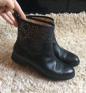 Чёрные полусапожки (ботинки )