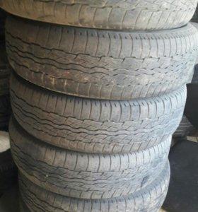 Шины Bridgestone 225/65 R17 6 штук.