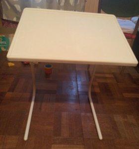 Складной столик новый