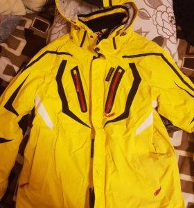 Зимняя куртка/сноубордическая