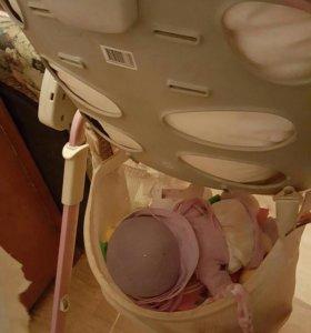 Б/у розовый стульчик для кормления.