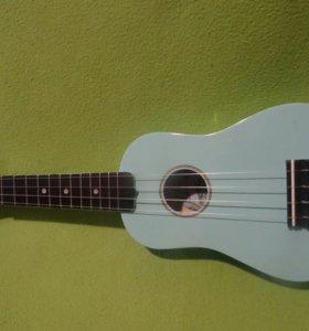 Берюзовая укулеле