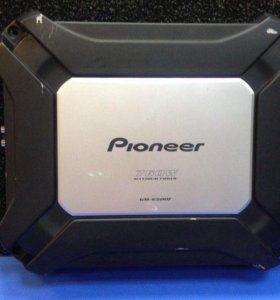 Автомобильный усилитель Pioneer GM-6500F.