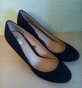 Туфли новые 39 р. замша