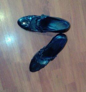 Туфли 39р кожа лак натуральный