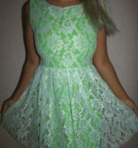 Платье новое кружевное L
