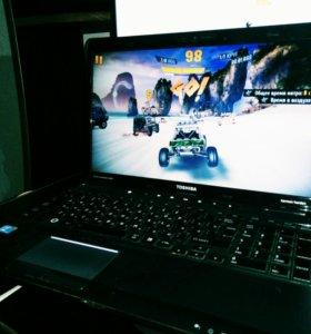 Toshiba i3. 4GB. GeForce 1GB