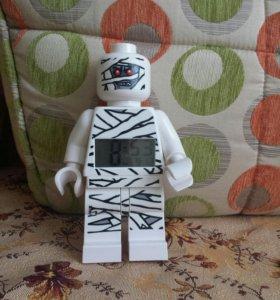 Лего человек часы-будильник