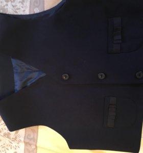Комплект- юбка в складку и жилетка на подкладке