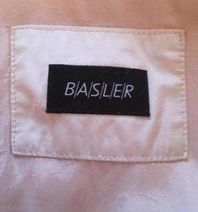 """Лёгкая ветровка """"Basler"""""""