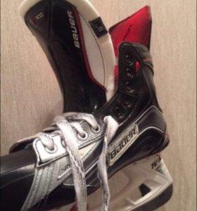 Хоккейные коньки Bauer vapor x900,новые