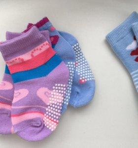 Детские носочки .