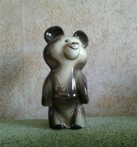 "Фарфоровая статуэтка ""олимпийский мишка"""