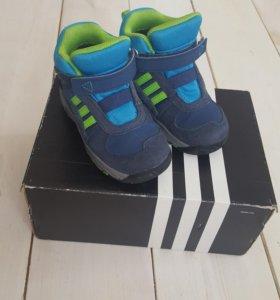 Ботинки  Adidas (адидас)