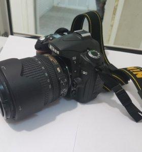 Nikon D90 18-105