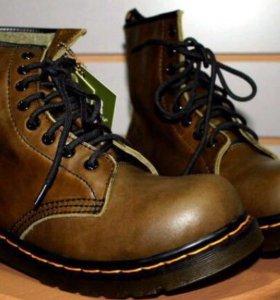 Ботинки унисекс новые -36-39 размеры
