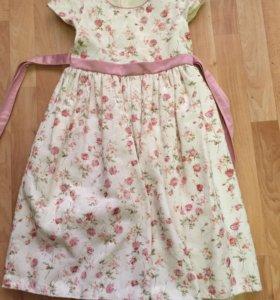 Платье нарядное на девочку 9-10 лет