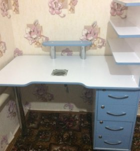 Стол для наращивания ногтей