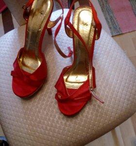 Туфли женские,новые.