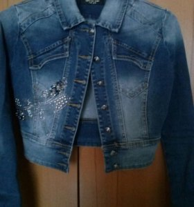 Джинсовая курточка укороченная