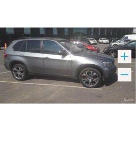 Автомобиль БМВ Х5