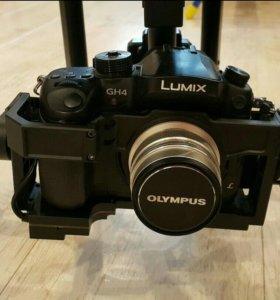 Профессиональный дрон с камерой.