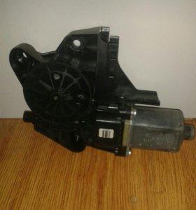 Моторчик стеклоподъемника форд фокус 2 передний ле