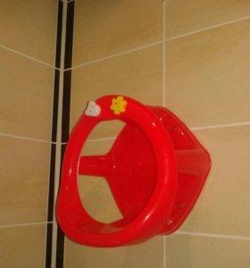 Стульчик на присосках для ванны