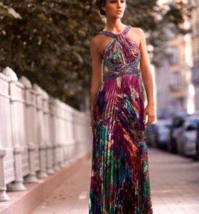 Вечернее платье с открытой спиной X'Zotic
