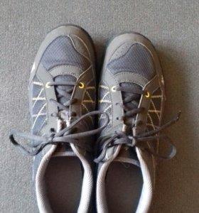 Трекинговые кросовки Quechua