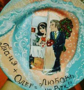 Роспись камней,  сувенирных тарелок на заказ.