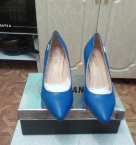 Туфли синие кожа