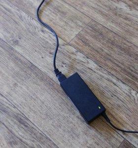 Зарядные устройства и адаптеры для ноутбуков.