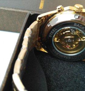 Продам интересные часы механические