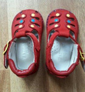Детские сандалии 17 размер
