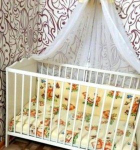 Кроватка+комплект в кроватку+матрас+балдахин