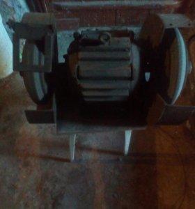 Электродвигатель точильный