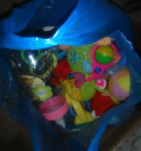 Детские погремушки игрушки