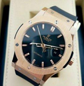 Мужские часы Hublot Classic Gold.