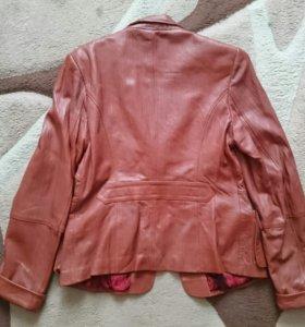 Женская кожаная куртка,44-46