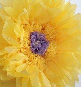 Настенный гигантский цветок